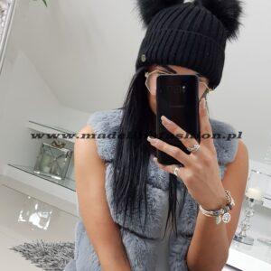 products 0003225 czapka zimowa dwa pompony czarna 1