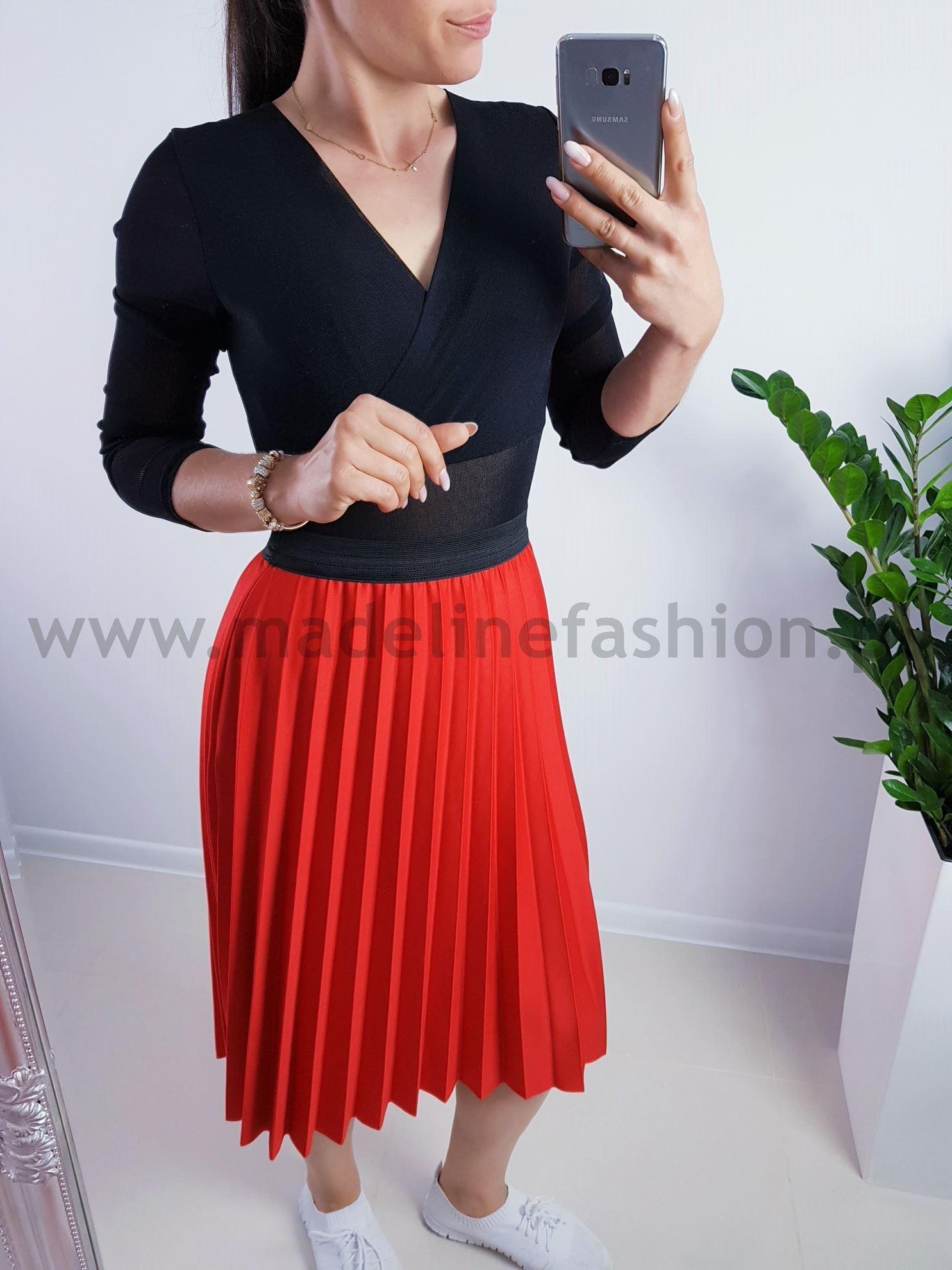 products 0003907 spodnica plisowana midi czerwona 1